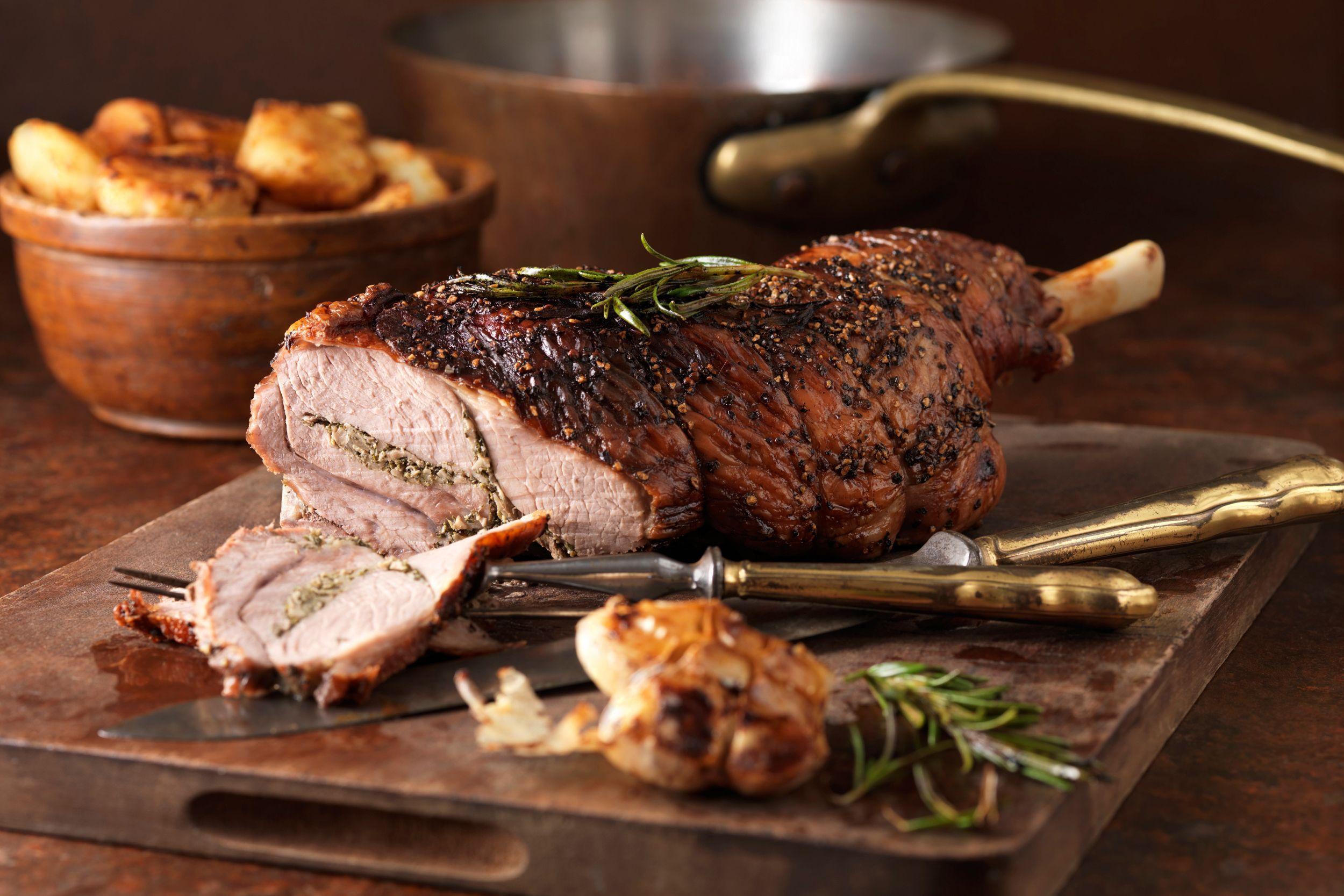 roast-leg-of-lamb-2500-56a210813df78cf772718ed3